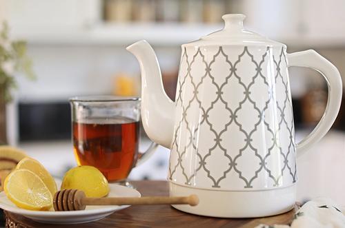 w&e ceramic kettle_lifestyle tea